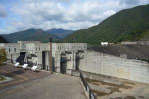 徳山ダム全景