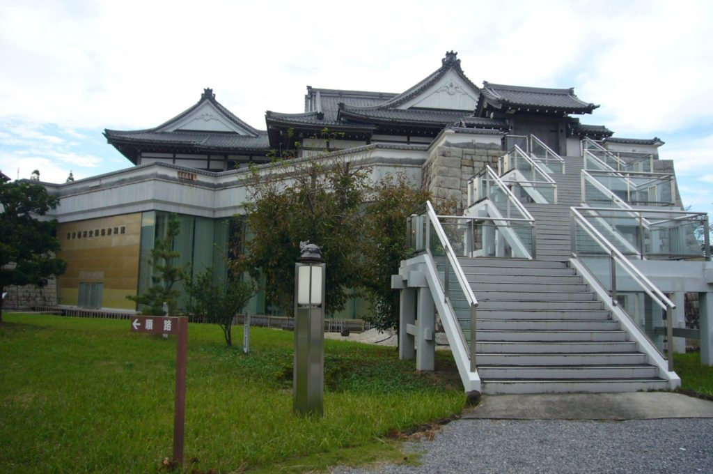 海津歴史民俗資料館の外観