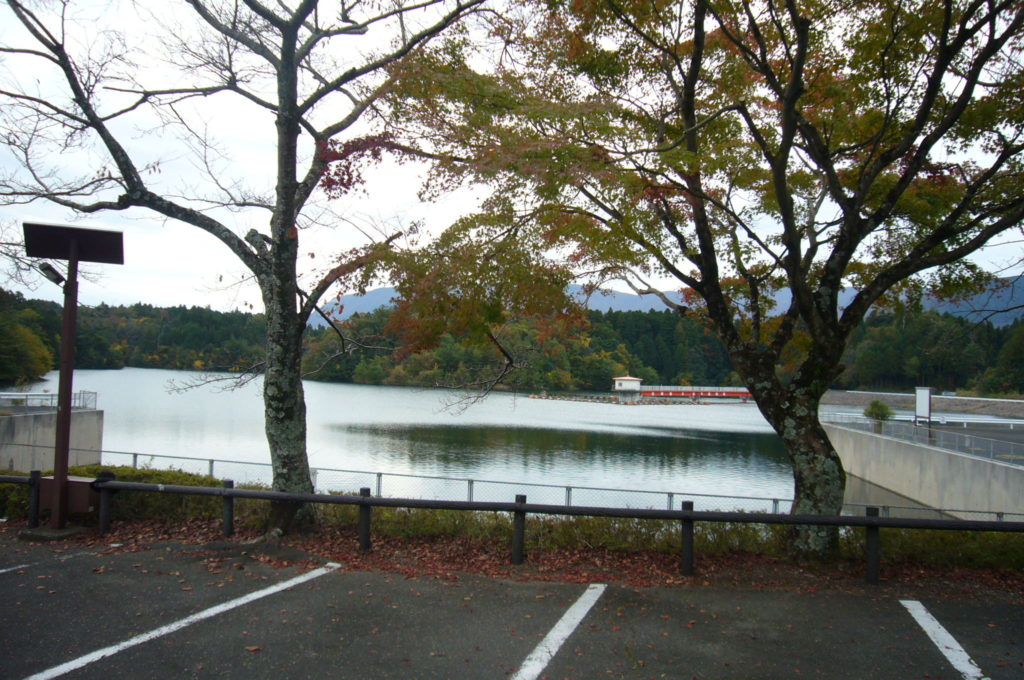 水嶺湖の風景