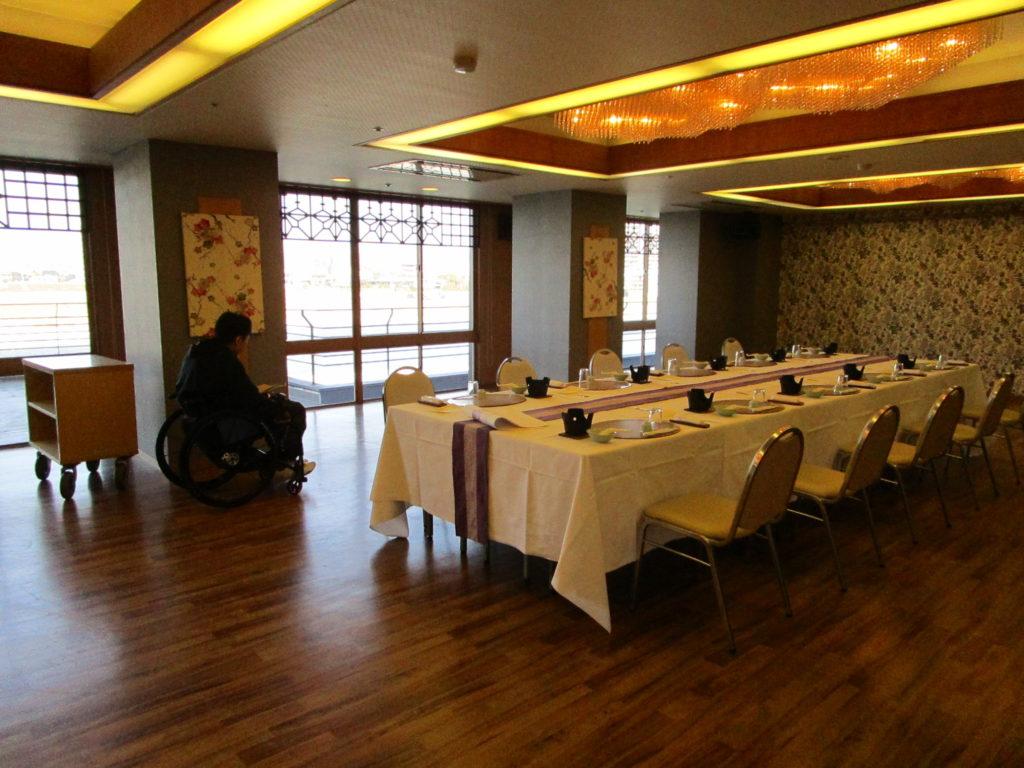 長良川に面した宴会場