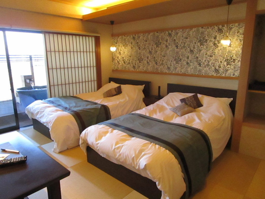 和室ベッドの客室