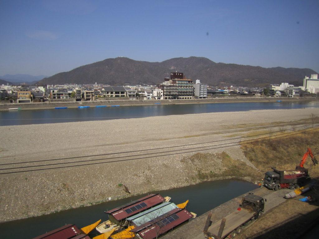 客室からの長良川の風景