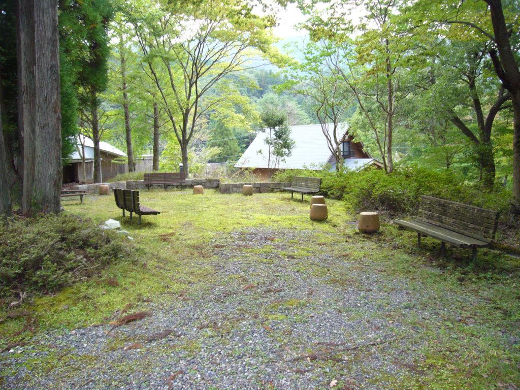 静かな憩の森