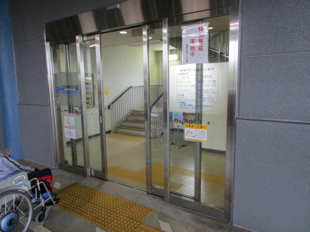 エレベーターホール出入り口